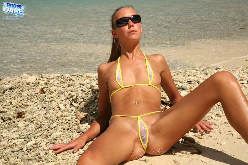 Bikini-Darecom - Hot Girls at the Beach