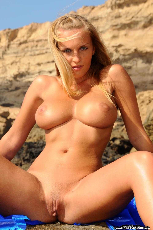 xxx bikinis