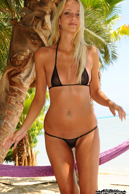 beach string bikini japan
